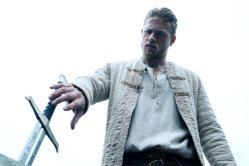 final-trailer-king-arthur-legend-of-the-sword-696x464